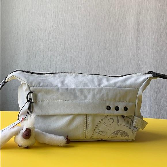 Kipling Moroni toiletry bag white